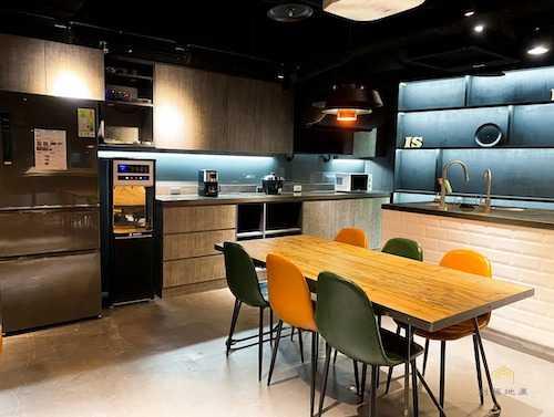 公用型態的廚房,通常設備較齊全。